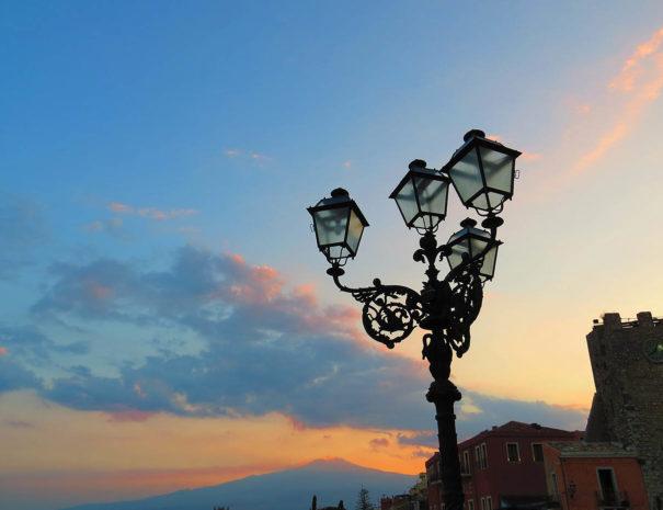 Tramonto-Taormina-Piazza-IX-Aprile